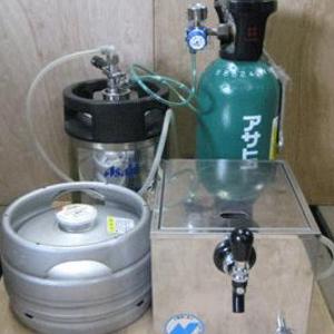 ホームパーティに   生ビール!のイメージ